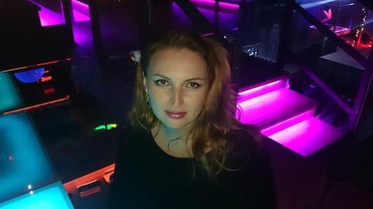 Viktoria,42-15