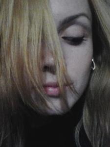 Anna,32-16