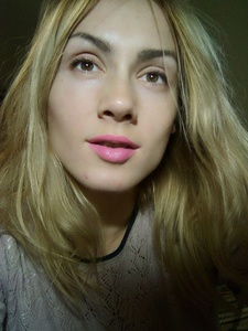 Anna,32-4