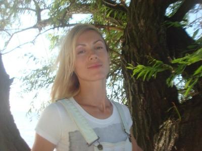 Anna,32-25