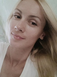 Anna,32-7
