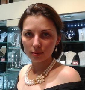 Anna,32-3