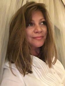 Irina,48-8