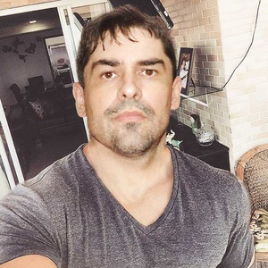 Paulo,47-8