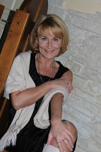 Alina,52-7