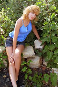 Alexandra,32-1