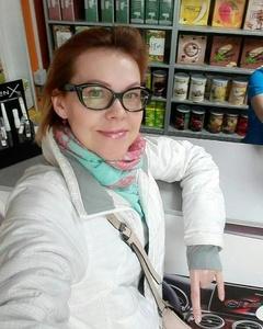Natalie,52-5