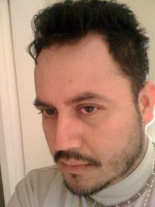 Luis,44-1