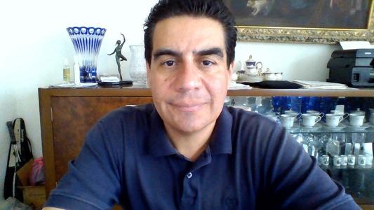 Carlos,46-7