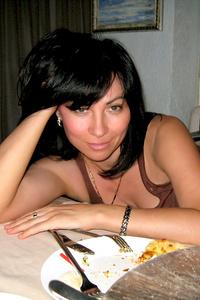Alina,46-1