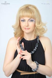 Elena,52-13
