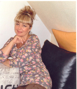 Anna,56-8