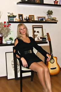 Alina,48-2