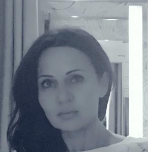 Elena,44-5