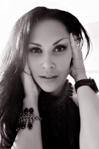 Alexandra,37-1