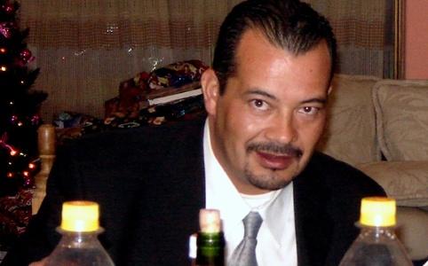 Luis,49-2