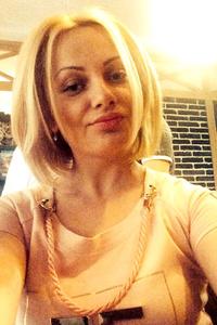 Alina,37-1