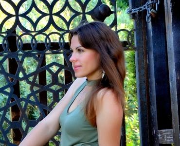 Natalia,38-9