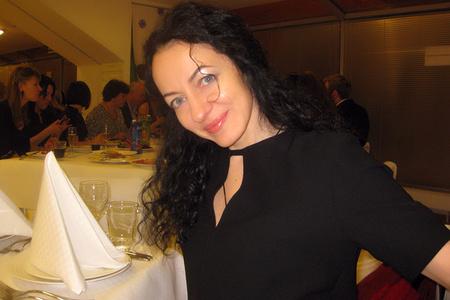 Karina,42-2