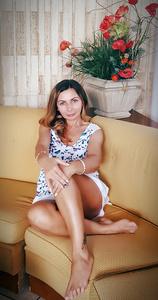 Nina,47-18