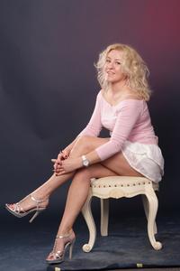 Elena,45-4