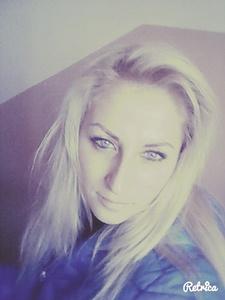 Anna,34-18