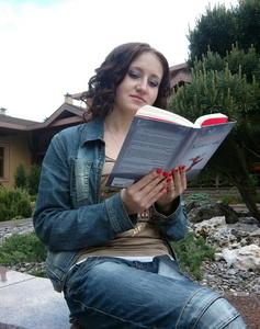Elena,21-4