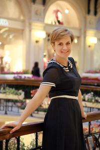 Elena,45-1