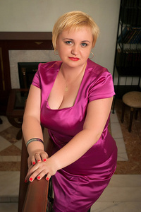 Elena,46-1