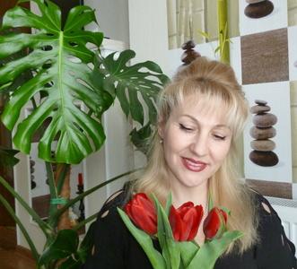 Natalia,49-5