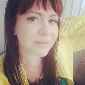 Ksenia,32-4