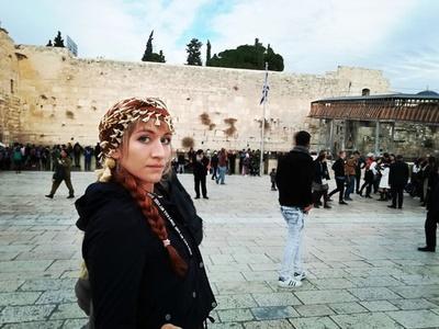 Elena,32-26