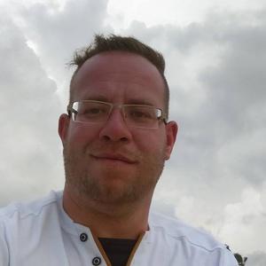 Lars,36-5
