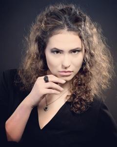 Irina,25-2