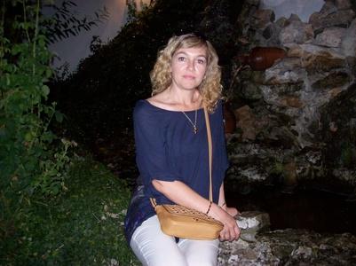 Elena,42-10