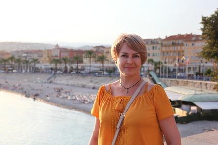 Anna,48-3