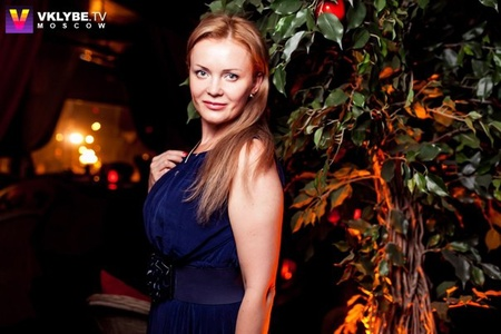 Julia,38-8