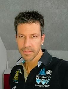 Dirk,42-11
