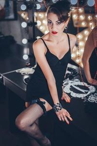 Marina,24-25