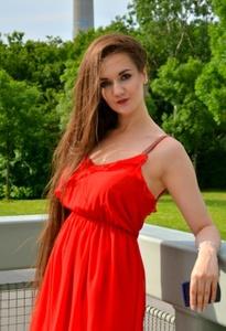 Anna,25-38
