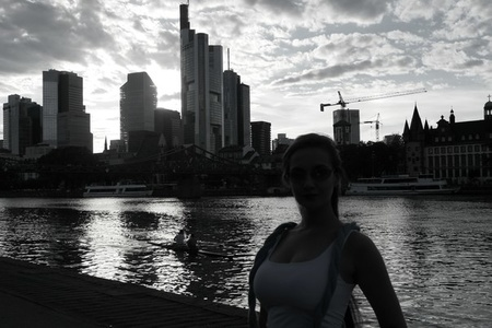 Anna,25-13