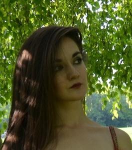 Anna,25-29