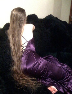 Anna,25-17