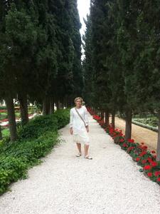 Elena,40-4