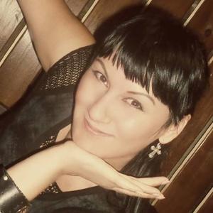 Natalia,33-12