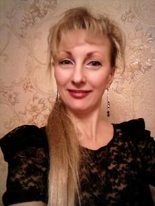 Elena,46-16