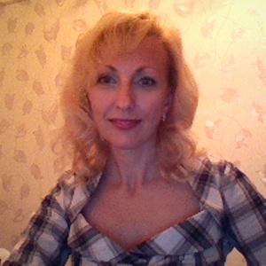 Elena,46-10