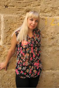 Nadya,30-1