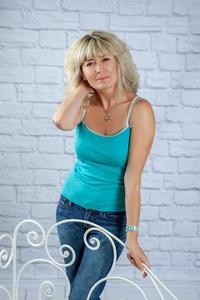 Irina,49-3