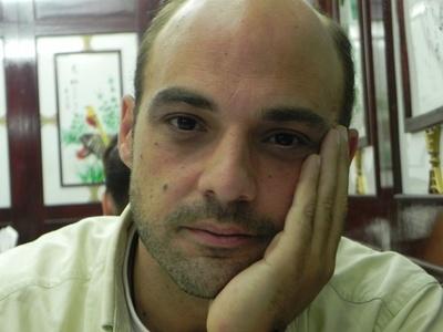 João,42-3